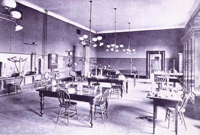 University of Toronto's Physical Laboratory, c. 1890